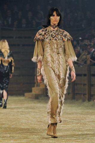 """DÉFILÉ MÉTIERS D'ART 2013/14""""PARIS-DALLAS"""" – Chanel News - Actualités et coulisses de la mode #chanel #paris 13/14"""