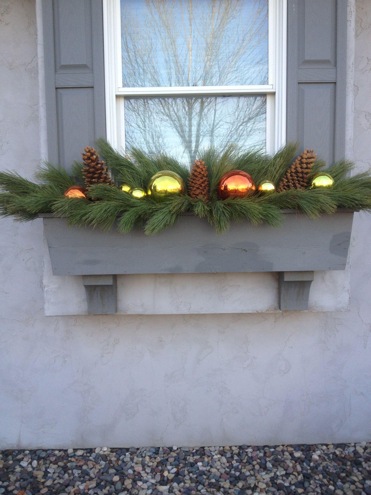 Window box | Christmas window boxes, Christmas display ...