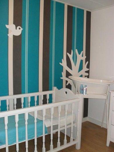 jongens babykamer met mooie blauw gestreept behang - baby kamer, Deco ideeën