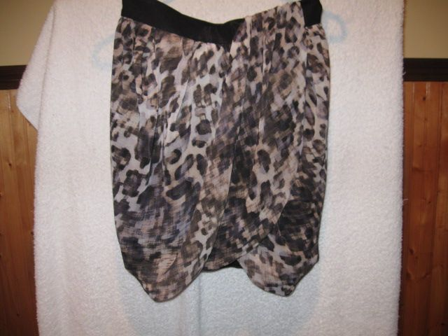 NEW $20 H Skirt Size 36 but will fit sizes 26-28. bubble skirt.