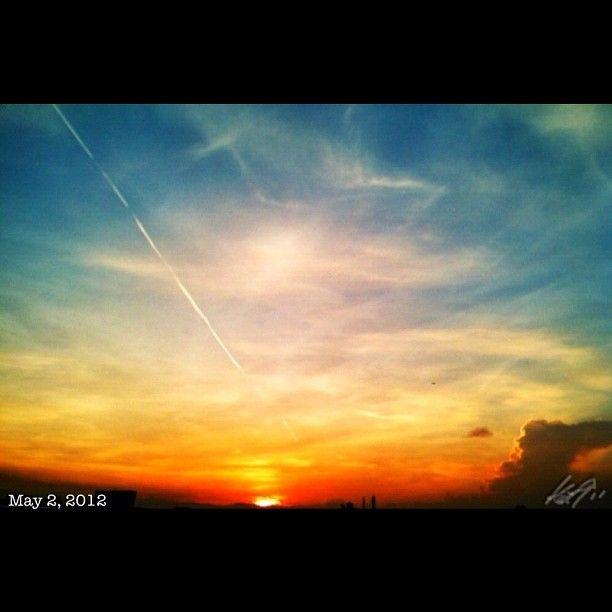 朝焼け #daybreak #morning #sun #sunrise #sky #cloud #philippines #空 #雲 #フィリピン