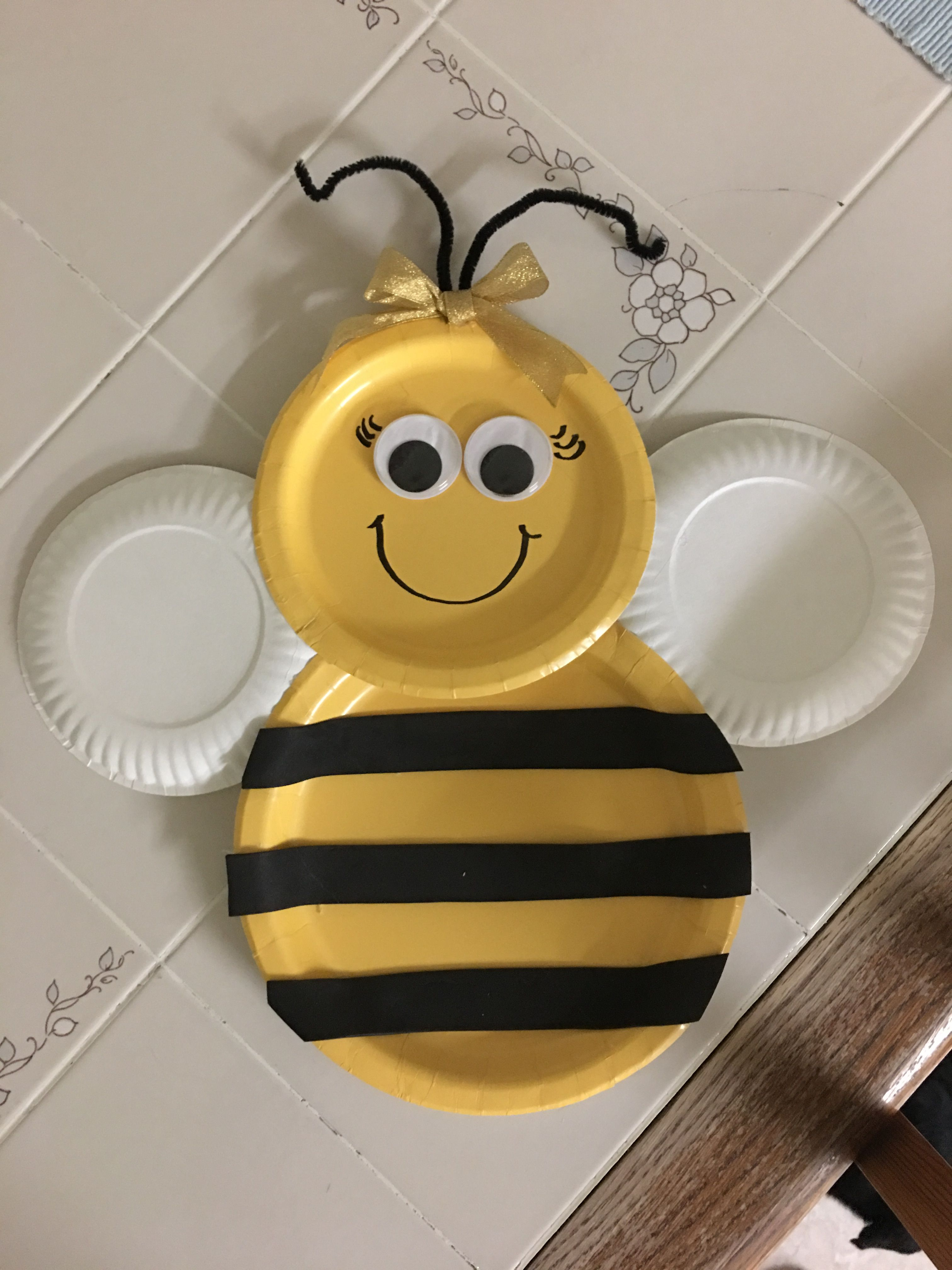 Pin By Aury Iquique On Aventureros Ideas Bee Birthday Party Bee Party Bumble Bee Baby Shower