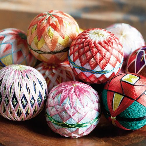 日本の四季を絹糸で描く 華やか加賀ゆびぬきの会 (12回限定コレクション)