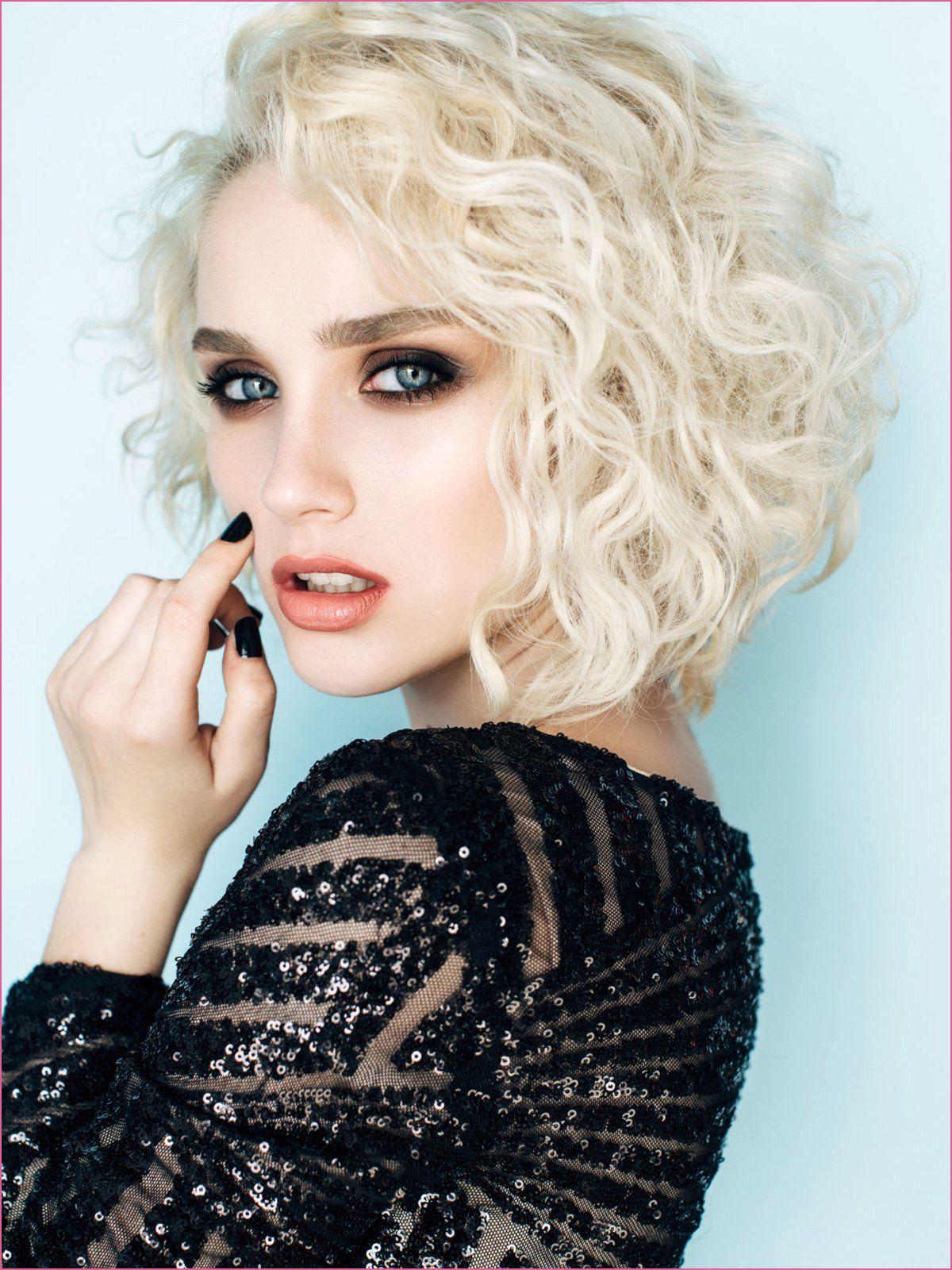 Genial Lockenwickler Richtig Eindrehen Kurze Haare Stilvolle Frisuren Haar Styling Locken Machen