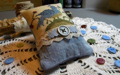 Becky Bee's Stitching Hive - fun finish with old blue jeans!