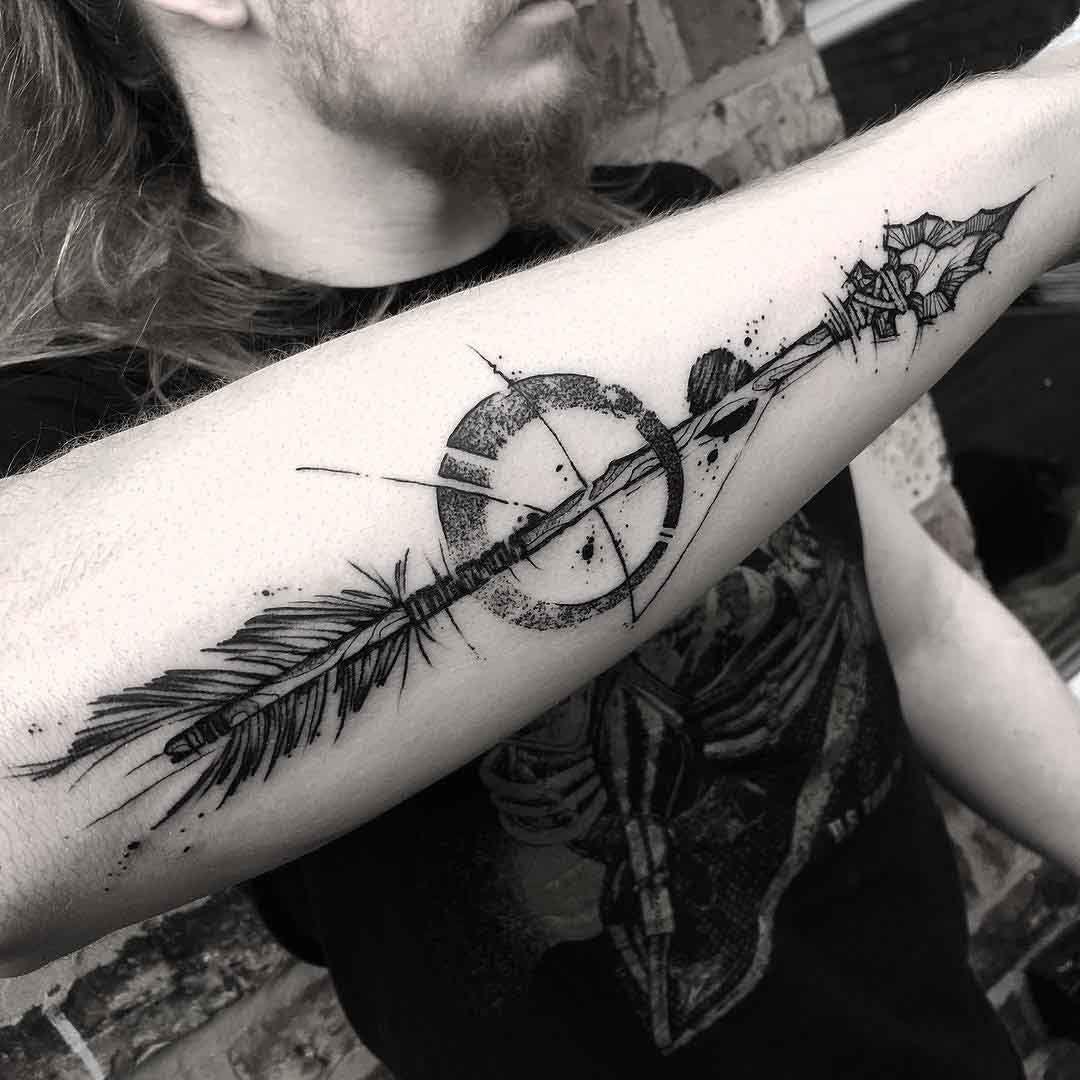 Stone Arrow Tattoo On Forearm Tatuajes Tatuajes Flechas