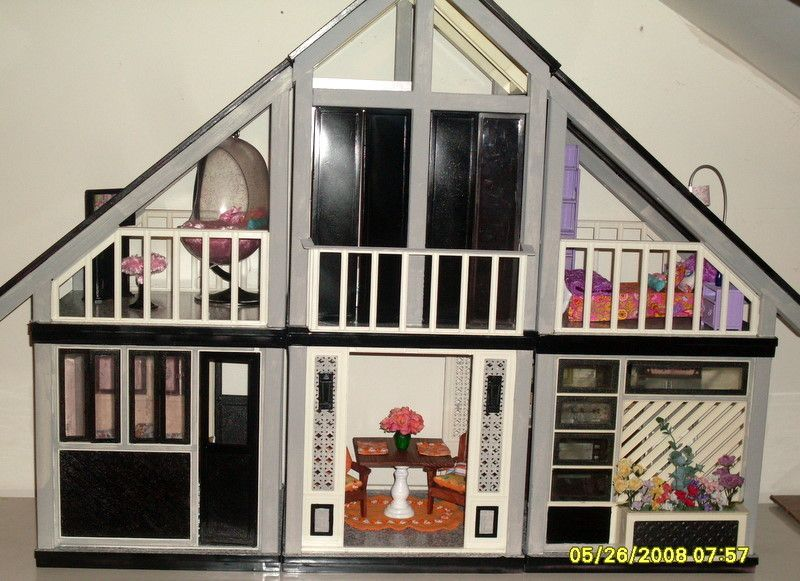 Link To The One And Only A Frame Dollhouse Website For Devoted Fans Dedicated To The 1978 Dream Home Barbie Dream House Barbie Dream Diy Barbie Furniture