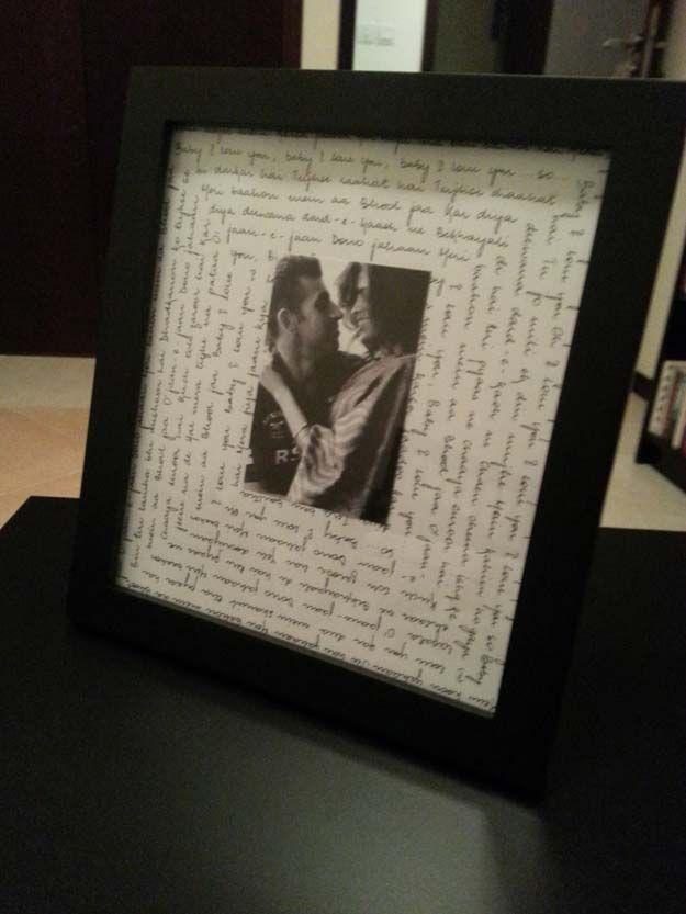 Coole DIY Geschenke für Ihren Freund - DIY Song Lyrcis Frame - einfach, günstig ... #coole #einfach #frame #freund #geschenke #ihren #lyrcis