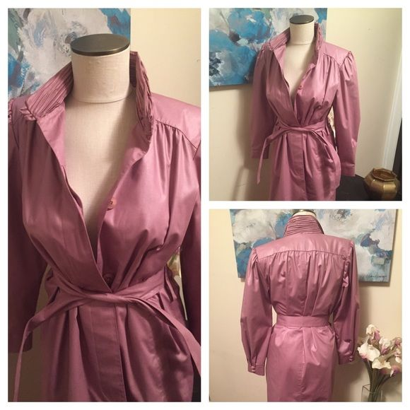 Vintage Lilac Belted Trench Coat Size 6 Petite Vintage and fabulous. Perfect for that Petite Princess, dazzle them in Lilac! London Fog Jackets & Coats Trench Coats