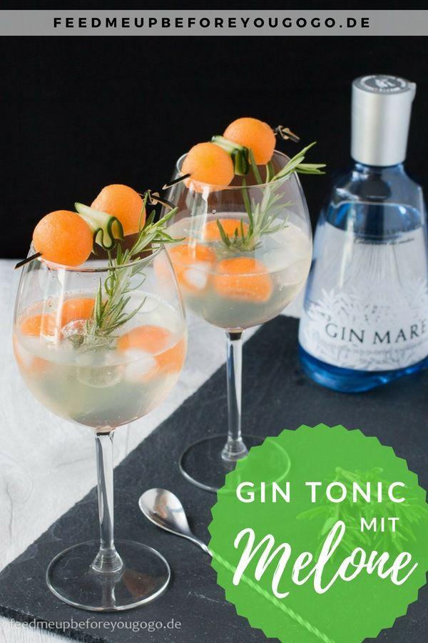 Gin Tonic mit Melone und Gurke. Du suchst einen Drink für den Sommer? Unser mediterraner Melon Mare & Tonic mit Gin Mare, Cantaloupe-Melone, Gurke und Rosmarin ist der perfekte Cocktail für Abende auf dem Balkon. / Melon & cucumber gin & tonic // Rezept von feedmeupbeforeyougogo.de --- #GinTonic #Sommerdrink #RezeptmitGin  --- Longdrink, Recipe, Gin Mare, alkoholisch, Mixology, mixen, einfacher Drink, Getränk, erfrischend, sommerlich, Gindrink #gincocktailrecipes