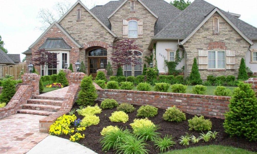 Landscaping Pictures For Sloped Front Yard Home Landscaping Front Yard Garden Design Front Yard Landscaping Design