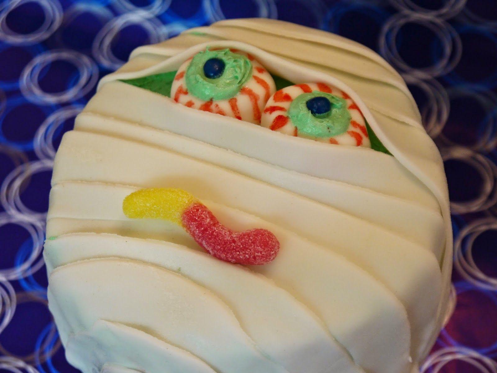 MsFunnyHome: Windbeutel-Torte für Halloween
