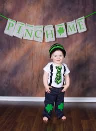 "St. Patty's Day Photo Ideas....love the ""pinch me"" banner!"