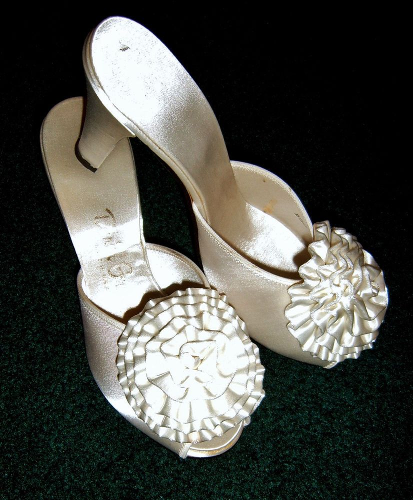 Bridal PIN-UP Daniel Green Liquid Satin Glamorous Pom Poms Bedroom Slippers 5 #DanielGreen #BedroomSlipperSlides #BedroomorBridal