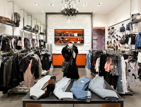 Boutique Interior Design Design A Room For Girls Boutique Interior Clothing Boutique Interior Boutique Interior Design