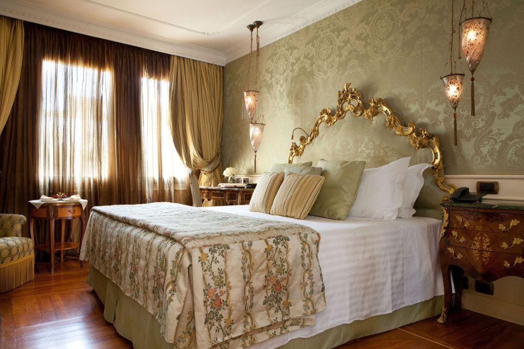 Luna Hotel Baglioni nel Venezia, Veneto http://www.jumamagazine.com/ #wedding #weddings #bride #weddingideas #cerimony #planning #couple #groom #weddinglocation #matrimonio #location