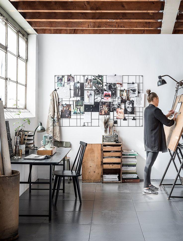 Board Matt Black Table vtwonen - WOO .Design