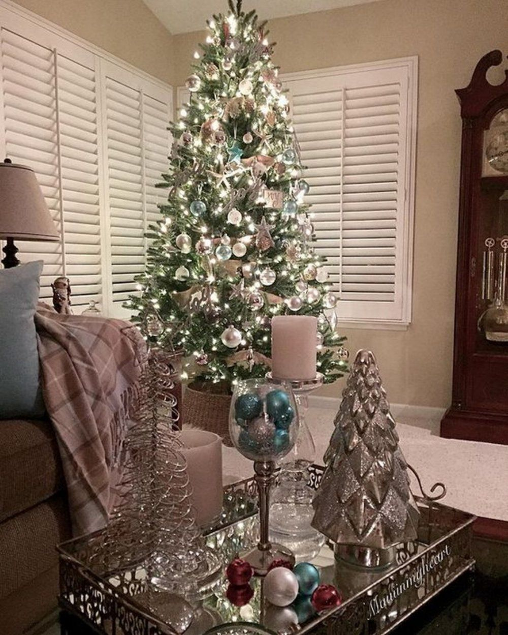 60 Decorated Christmas Trees From The Gram