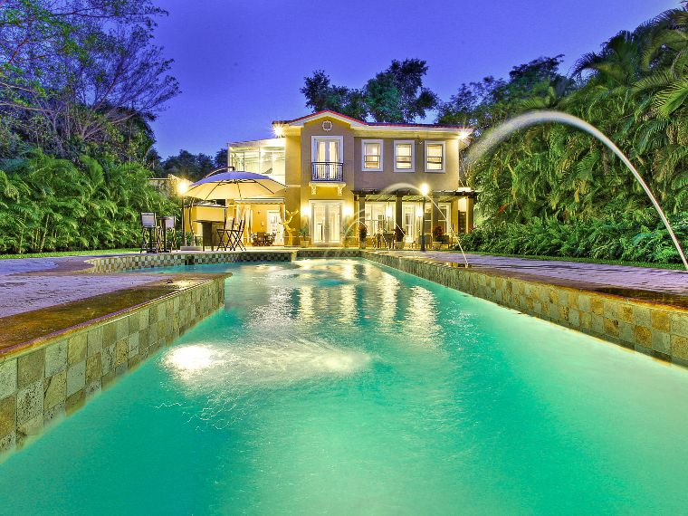 Luxurious home in Coconut Grove, Florida | homeadverts.com