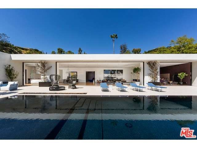 See this home on Redfin! 1220 Loma Vista Dr, Beverly Hills, CA 90210 #FoundOnRedfin