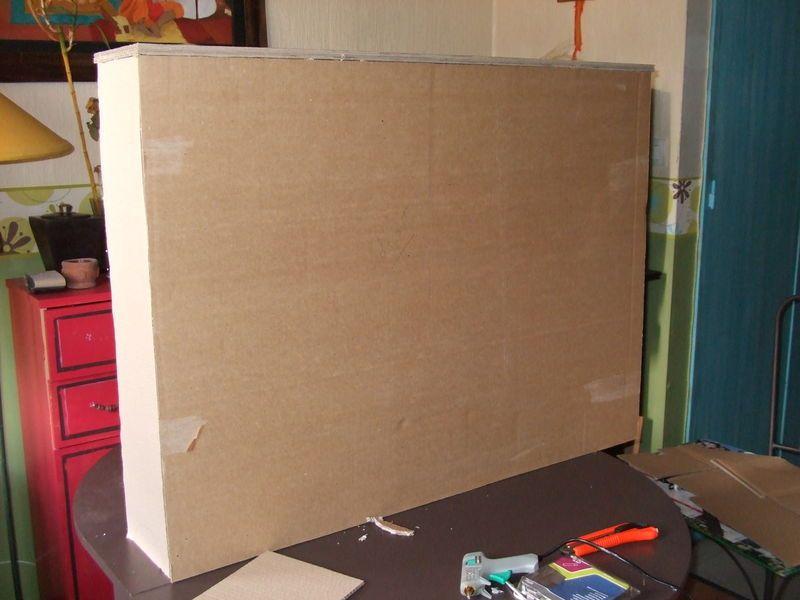 Une Tete De Lit En Carton Le Petit Atelier De Jeanne Tete De Lit En Carton Meuble En Carton Meubles En Carton