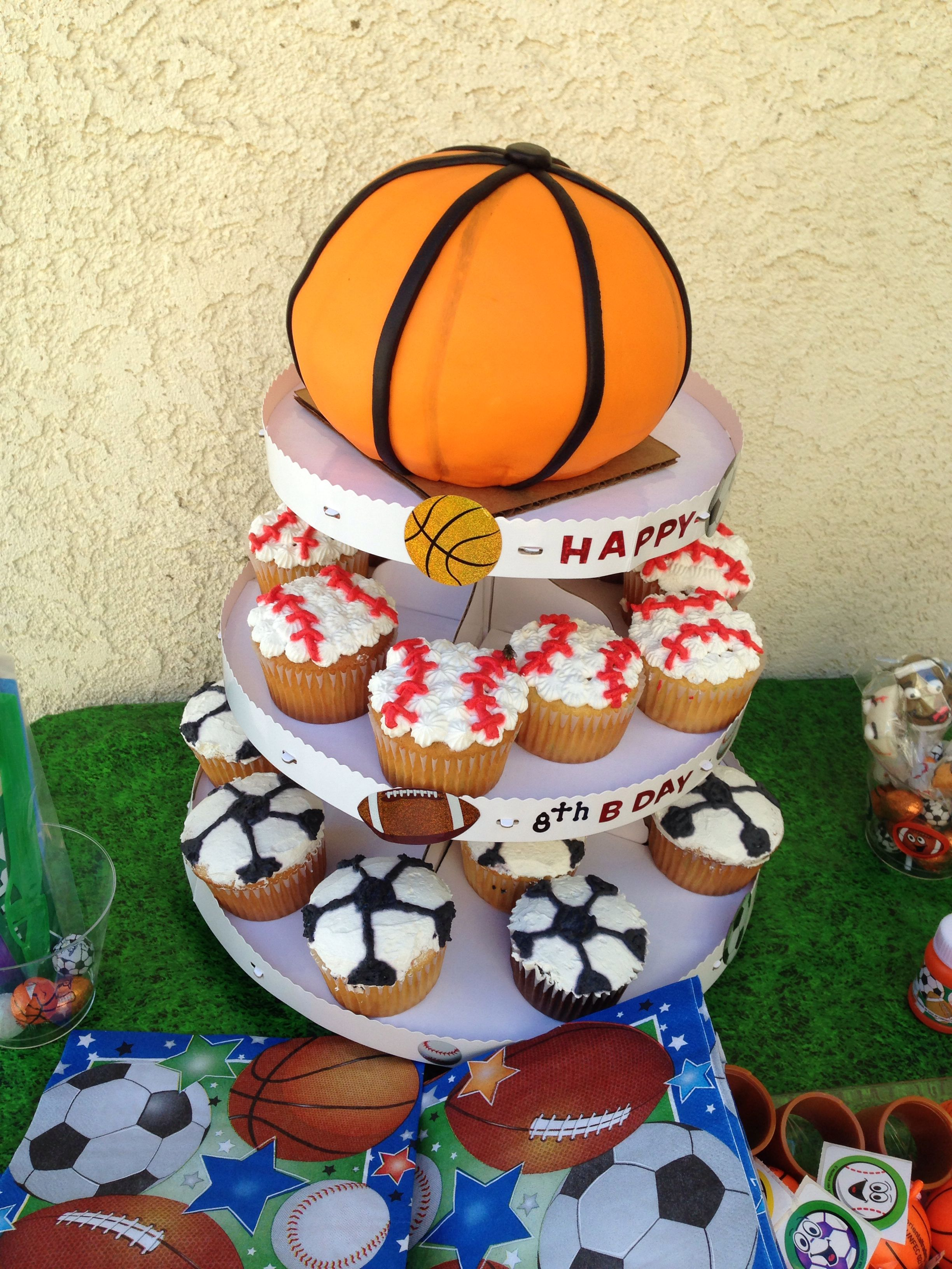 Basketball Cake Sports Themed Party 40th Birthday Parties Basketball Cake