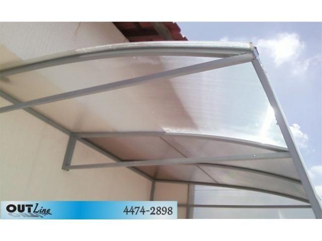 Toldos e coberturas de policarbonato pinterest tubo for Tubos de aluminio para toldos