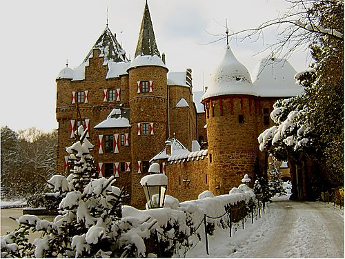 Burg Satzvey, Germany  What a beautiful castle!