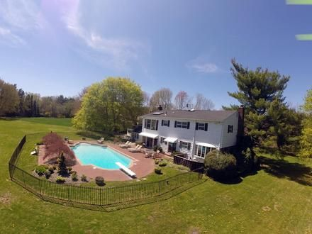 225 Circle Rd - Muttontown, New York