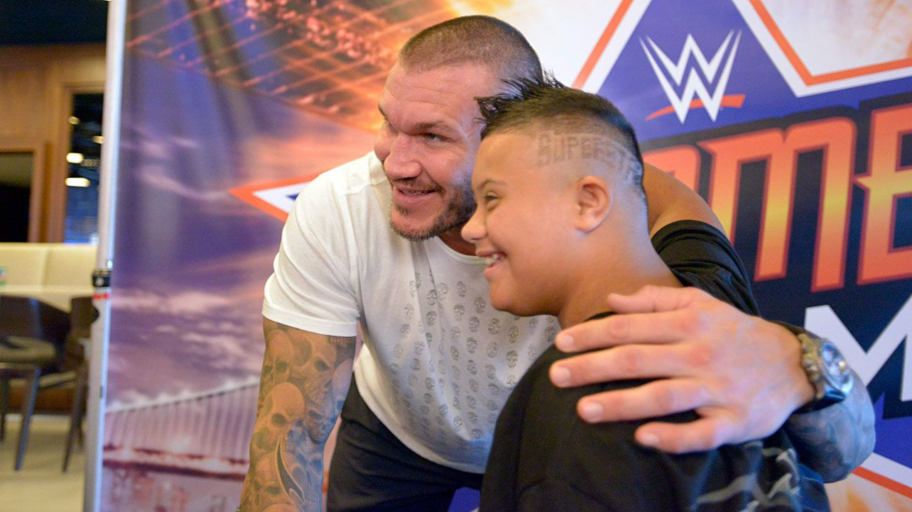Randy orton and pcb meet the wwe universe during summerslam week randy orton and pcb meet the wwe universe during summerslam week kristyandbryce Image collections