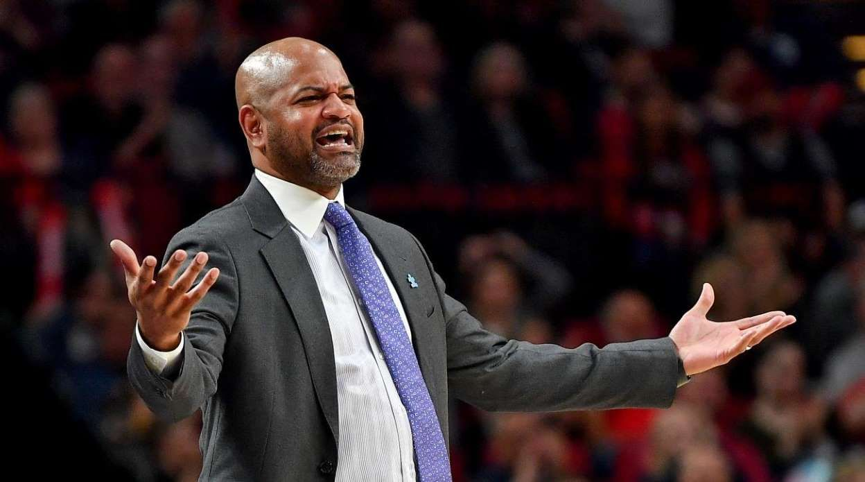 Report Grizzlies Dismiss Head Coach J B Bickerstaff Reassign Gm Chris Wallace Chris Wallace Coach Grizzly