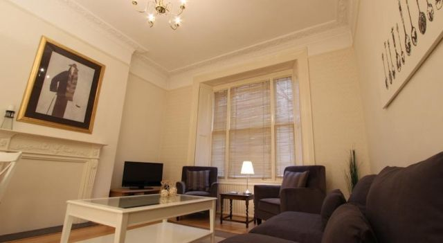 Stay-In Apartments Kensington - 4 Star #Apartments - $455 - #Hotels #UnitedKingdom #London #KensingtonandChelsea http://www.justigo.com/hotels/united-kingdom/london/kensington-and-chelsea/stay-in-apartments-kensington_188268.html