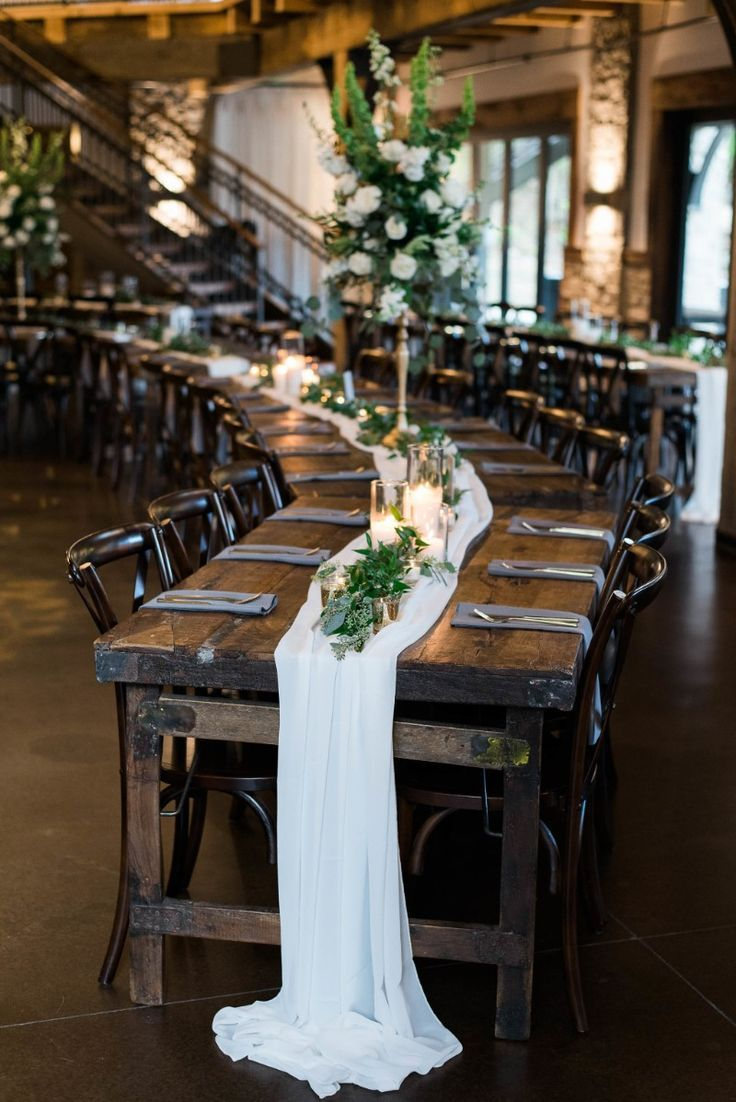 Classic Green And White Lush Wedding Decorations On A
