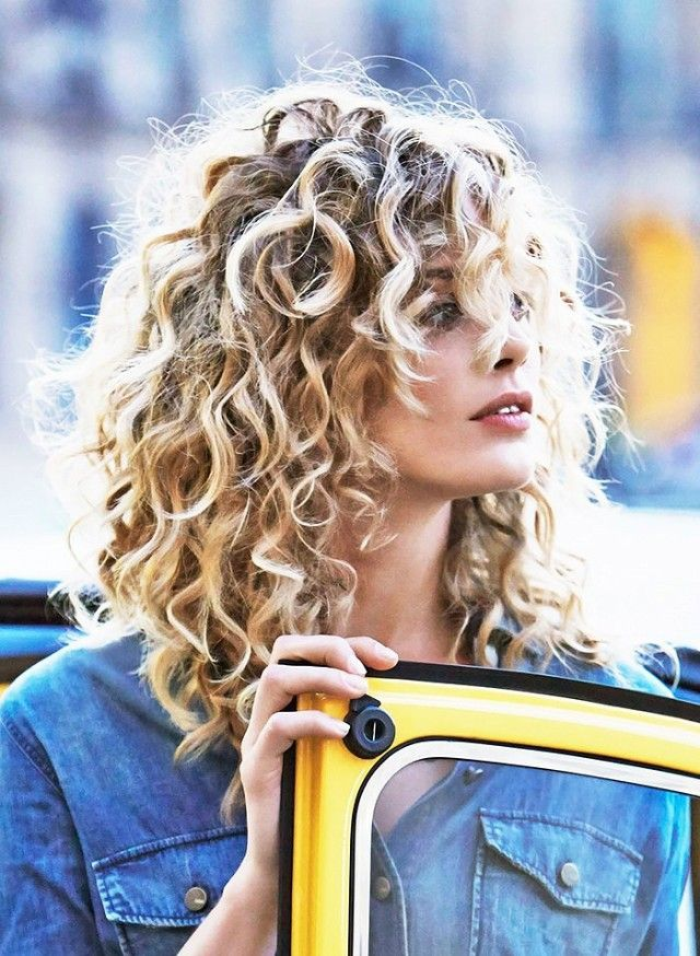 The Best Haircuts For Girls With Extremely Curly Hair Mid Length