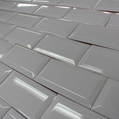 carrelage mural m tro gris brillant biseaut en 2019 carrelage metro tile floor flooring et. Black Bedroom Furniture Sets. Home Design Ideas