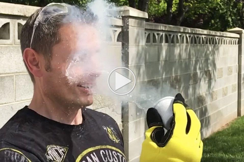 Er flydende kvælstof farligt at få i ansigtet?