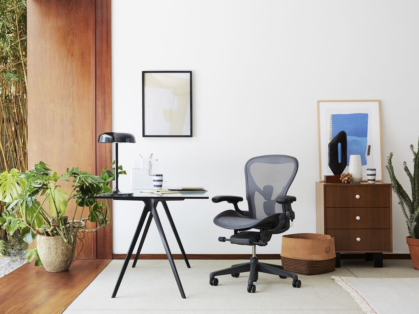 Aeron® Remastered Office Chair In Graphite With Adjustable PostureFit SL  From Herman Miller | YLiving