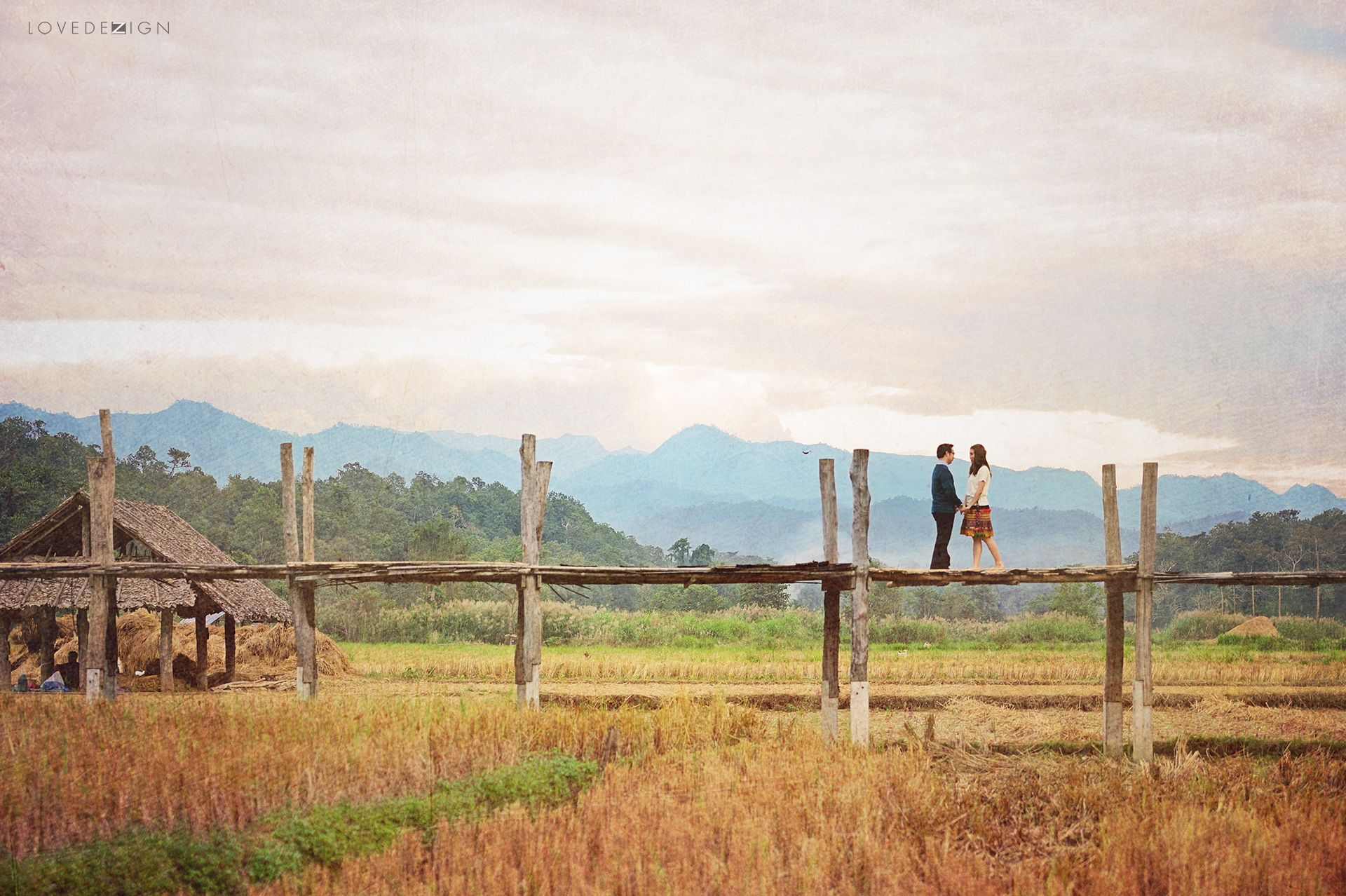classic and whimsical pre wedding or engagement photography from Su Tong Pae bridge, Mae Hong Son, Thailand