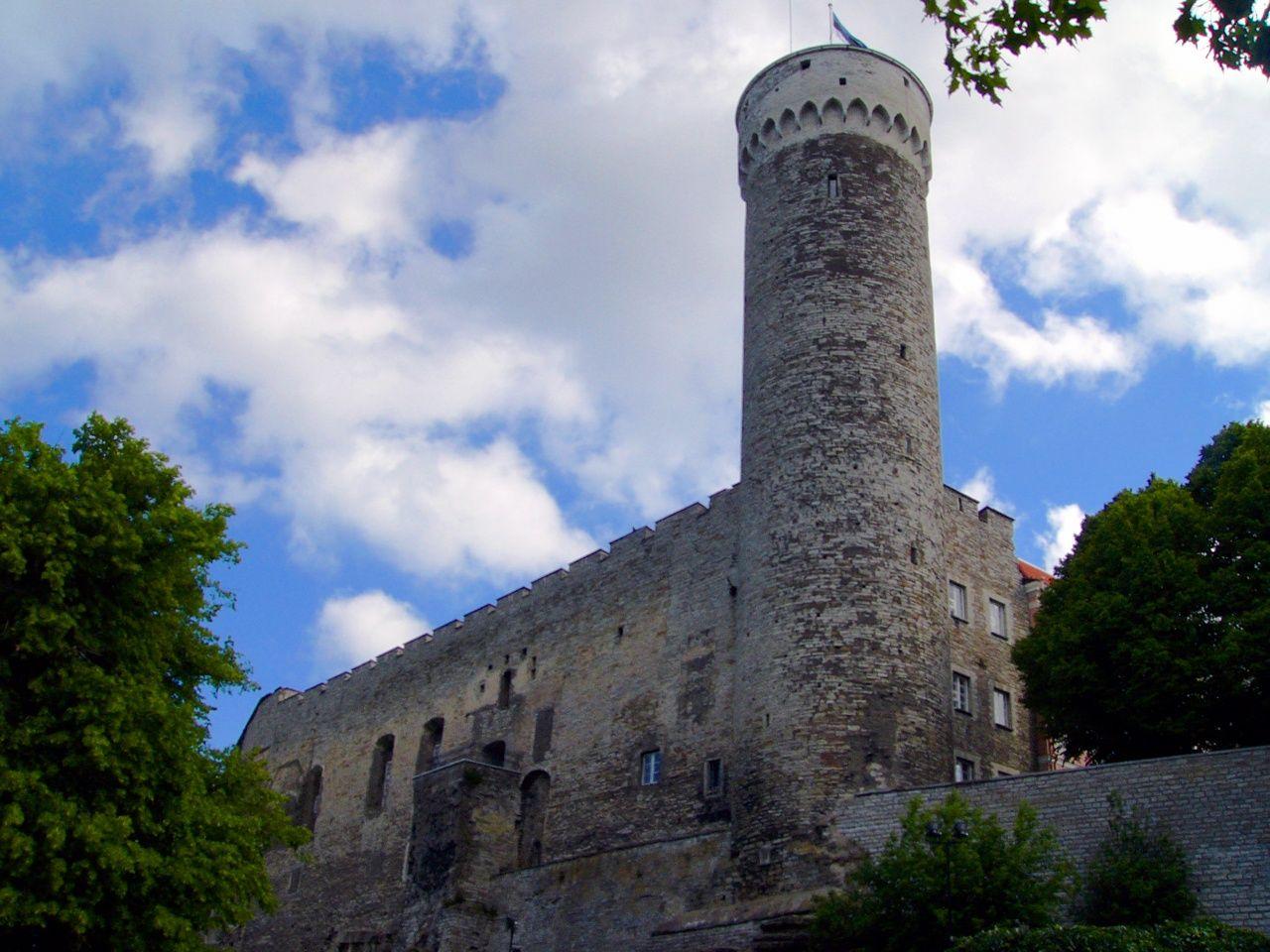 SIGHTS. Toompea Castle. Toompea Castle is the seat of the Parliament of the Republic of Estonia - the Riigikogu.