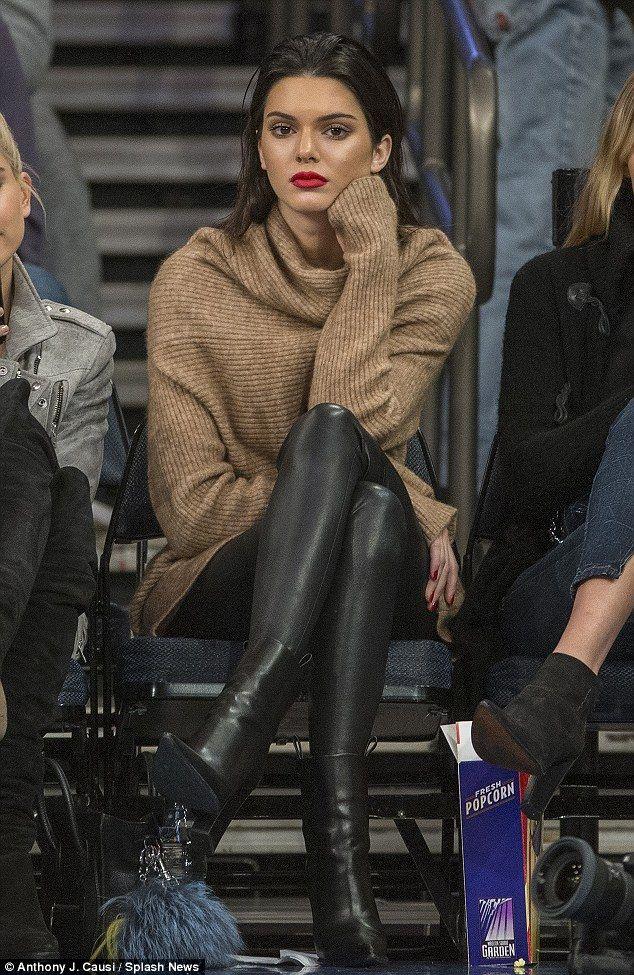 a6ec4e83db744 Kendall Jenner steals spotlight watching basketball in New York City  #dailymail