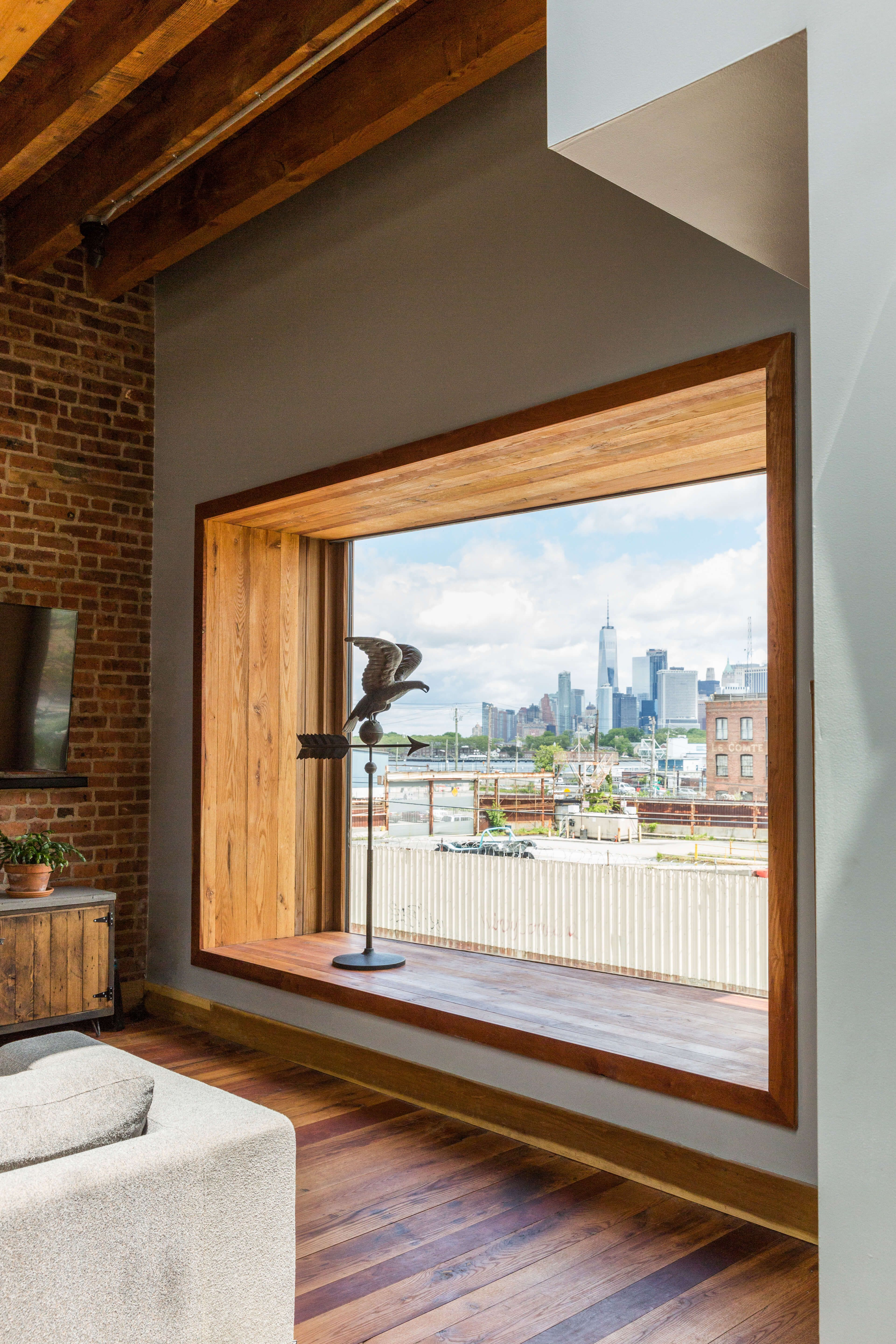 The Insider: Reclaimed Barn Wood, Exposed Brick Lend Warmth and Character to Red Hook Reno