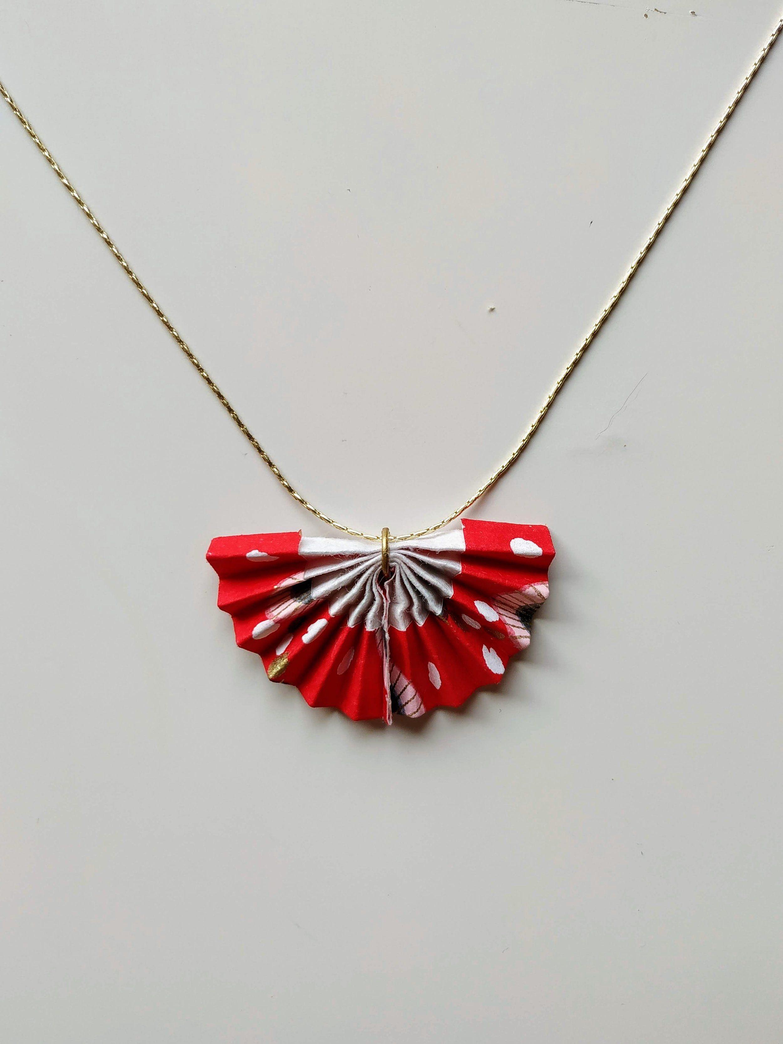 Sautoir éventail rouge, sautoir en papier japonais, bijou en origami rouge