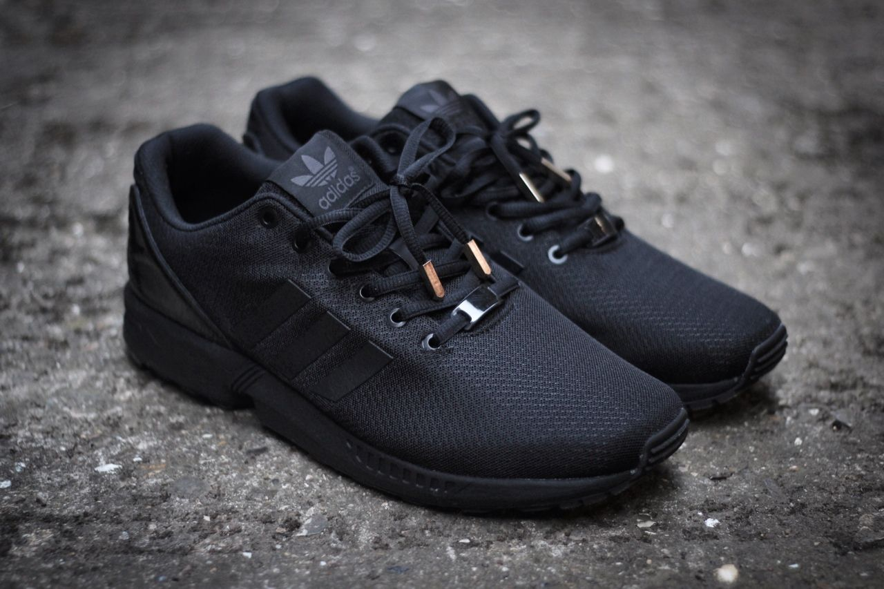 zx flux triple black