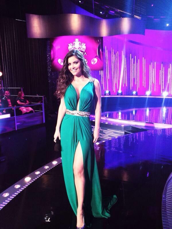 Chiquinquira Delgado | Outfits | Pinterest | Vestido verde, Verde y ...