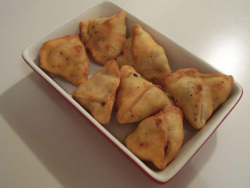 Potato samosas vegetarian indian appetizer recipe eat potato samosas vegetarian indian appetizer recipe forumfinder Choice Image