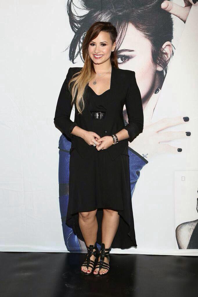 Demi Lovato in Mexico, may 2014