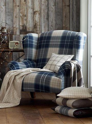 Warwick Highland Chair In Blue And White Tartan