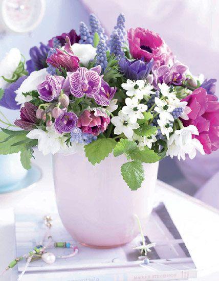 Winterstrau aus anemone zitronenmelisse und milchstern garten blumenstraus der woche weekly bouquets at httplivingathome mightylinksfo
