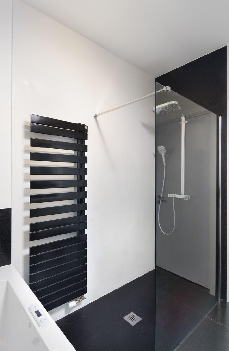 Een badkamer? Daar begin je best niet onbezonnen aan. Foto: www ...