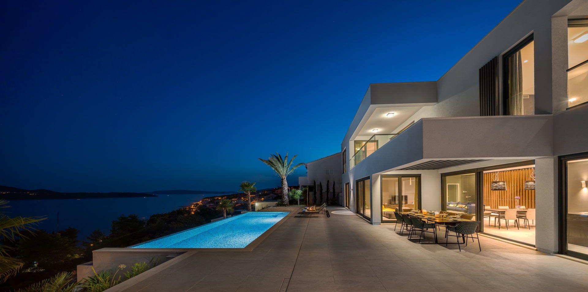 Die Traumvilla an der Strand in der Nähe von Trogir, für